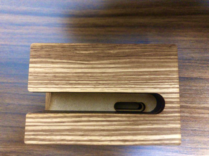 木製のiphoneスピーカー